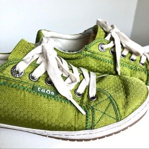 Taos Glyde lime green ripstop fabric sneakers 8